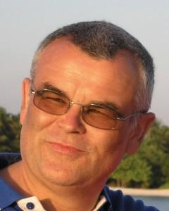 Facharzt Allgemeinmedizin Taucherarzt (GTÜM) Reisemedizinzertifikat und Gelbfieberimpfstelle Mitglied: Gesundheitsorganisation Ludwigshafen Mitglied: Hausärzteverband Rheinland-Pfalz Mitglied: Gesellschaft für Tauch- und  Überdruckmedizin